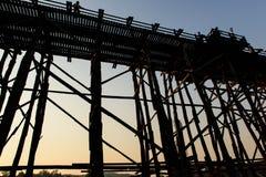 Afton på den måndag bron Arkivfoton