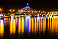 Afton på Han River Bridge i Danang Royaltyfri Foto