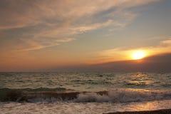 Afton på havet Arkivbilder