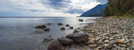 afton på Lake Baikal Royaltyfri Fotografi