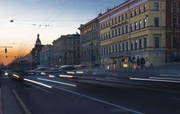 Afton på Nevsky Prospekt, St Petersburg, Ryssland Royaltyfri Fotografi