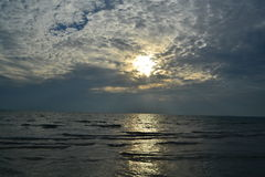 Afton vid havet Arkivbild