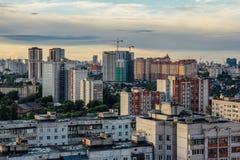 Afton Voronezh Moderna moderna bostads- byggnader, nybyggnation Arkivbilder