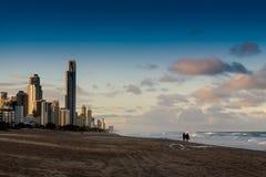 Aftonen går på stranden Fotografering för Bildbyråer