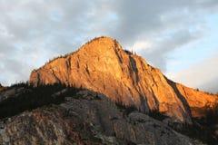 Aftonen i bergen av Altay Arkivbild