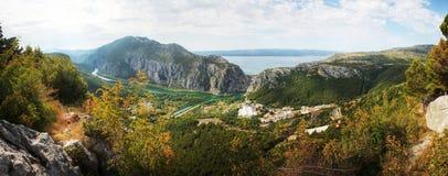 Aftonen i Omis, Kroatien Fotografering för Bildbyråer