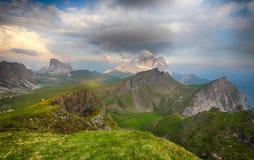 Aftonglöd över Mt Pelmo och Mt Civetta Dolomites, Italien Fotografering för Bildbyråer
