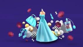 Aftonklänningar, påsar, skor och skönhetsmedel som svävar bland blommorna på en purpurfärgad bakgrund stock illustrationer