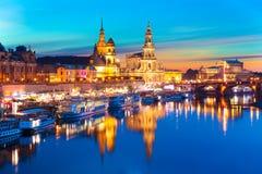 Aftonlandskap av den gamla staden i Dresden, Tyskland Arkivbild