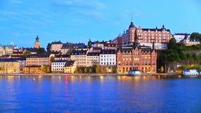 Aftonlandskap av den gamla staden i Stockholm, Sverige arkivfilmer
