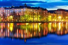 Aftonlandskap av Helsingfors, Finland Royaltyfri Bild