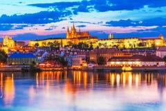 Aftonlandskap av Prague, Tjeckien Arkivbild