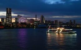 Aftonlandskap av Yokohama port Royaltyfria Foton