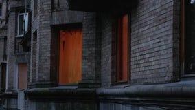 Aftonljus i fönster lager videofilmer