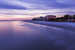 Aftonljus på fiskepir i fortet Myers Beach Arkivfoto