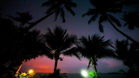 Aftonlynne i den Koh Samui sikten på himmel, lykta och stock video