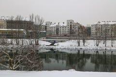 Aftonlynne på Donauen i Wien Fotografering för Bildbyråer