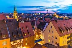 Aftonpanorama av Nuremberg, Tyskland Arkivbilder