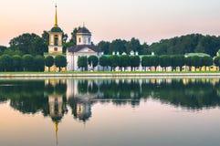 Aftonserenitet Fragment av det statliga reservmuseet Kuskovo moscow Ryssland Fotografering för Bildbyråer