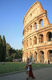 Aftonsikt av Colosseum i Rome Italien Arkivfoton