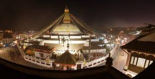 Aftonsikt av den Bodhnath stupaen Arkivfoton