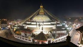 Aftonsikt av den Bodhnath stupaen Arkivfoto