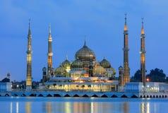 Aftonsikt av den crystal moskén i Kuala Terengganu Royaltyfri Fotografi