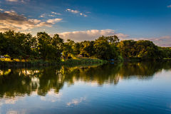 Aftonsikt av Duck Creek i Essex, Maryland royaltyfria bilder