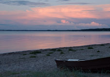 Aftonsikt av en strand nära Middelfart, Danmark Royaltyfri Fotografi