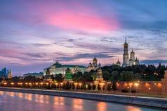 Aftonsikt av MoskvaKreml Royaltyfri Foto