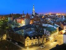 Aftonsikt av Tallinn den gamla staden, Estland Arkivbilder