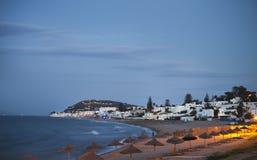 Aftonsikt till stranden i Gammarth Tunis fotografering för bildbyråer