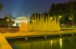 Aftonspringbrunnen Royaltyfri Bild