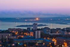 Aftonstaden av Saratov på Volgaet River Fotografering för Bildbyråer