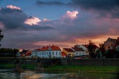 AftonUzhhorod fot- bro över floden, Ukraina royaltyfri foto