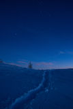 Aftontid i berg Royaltyfri Bild