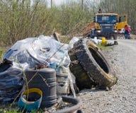 Afval door de weg Stock Fotografie