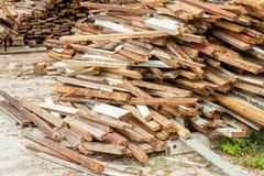 Afval houten kringloopstapel voor achtergrond Royalty-vrije Stock Foto