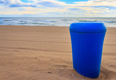 Afval op het strand Royalty-vrije Stock Foto's