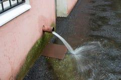 Afvalwater van het dak van de schoorsteen Royalty-vrije Stock Foto