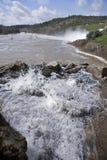 Afvoerkanaal in het reservoir van San Rafael de Navallana, Stock Fotografie