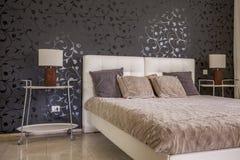 slaapkamer met donker behang stock foto's– 47 slaapkamer met, Deco ideeën