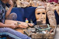 AGADIR, MAROKKO - 15. DEZEMBER 2017: Afrikanische Masken, Marokko GIF Lizenzfreie Stockbilder