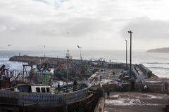 AGADIR MAROKO, GRUDZIEŃ, - 15, 2017: Port Essaouira od Fotografia Stock