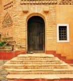 Agadir medina dörr Arkivfoton