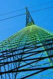 agains μπλε βαθύς pylon ουρανός Στοκ φωτογραφίες με δικαίωμα ελεύθερης χρήσης
