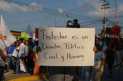 Agaist Juan Orlando numéro 16 de march de protestation de Hernandez le 12 janvier 2018 Photos libres de droits