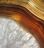 Agatean vug (holte) die met rotskristal wordt gevuld Royalty-vrije Stock Foto