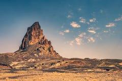 Agathla峰顶火山的插座,亚利桑那 免版税库存图片