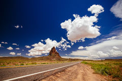 Agathla峰顶,高速公路163,亚利桑那,美国 免版税库存图片